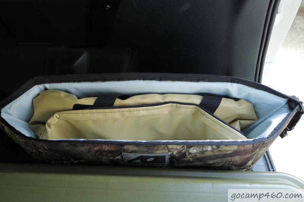 車に積んだクーラーボックス