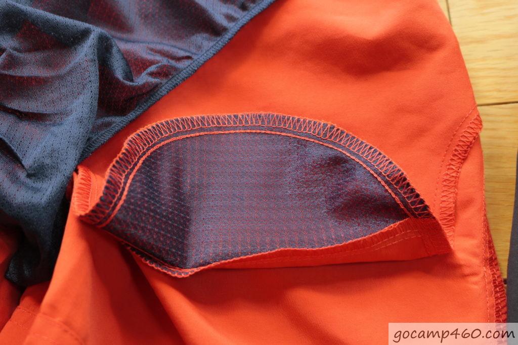 LL サイドポケットの内側がメッシュ加工で水を溜めない工夫